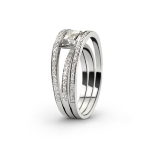 White gold ring with white diamonds